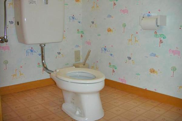 隔離室トイレ